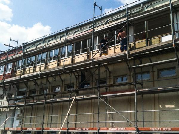 Irodaépület homlokzatfelújítása – Győr