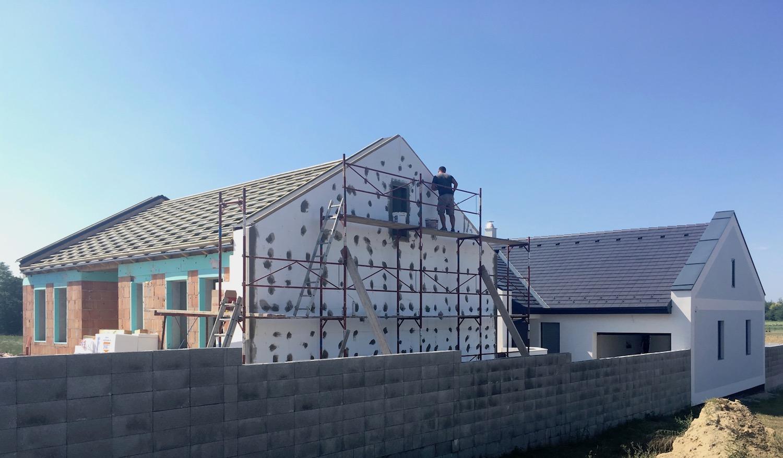 Két lakásos lakóépület Győrújbaráton